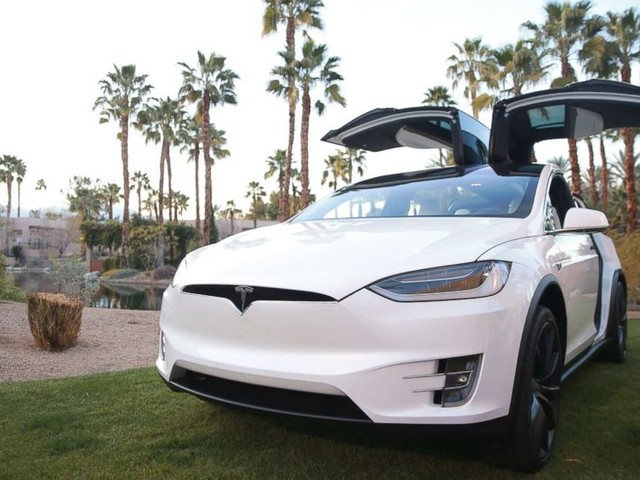 Tesla's Autopilot blamed by driver for accident, police say