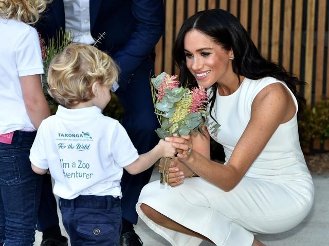AP PHOTOS: Royal couple in Australia as pregnancy announced