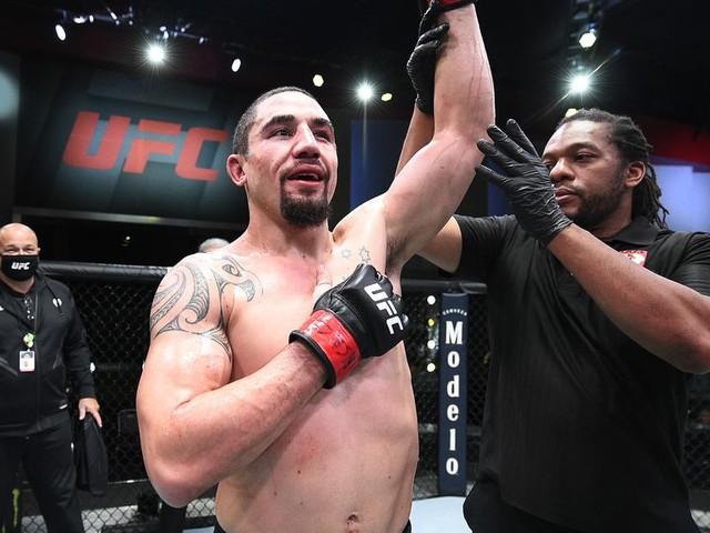 UFC on ESPN 22's Robert Whittaker calls for title shot against Israel Adesanya