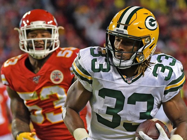 Aaron Rodgers trusts the hell out of Aaron Jones and here's the proof