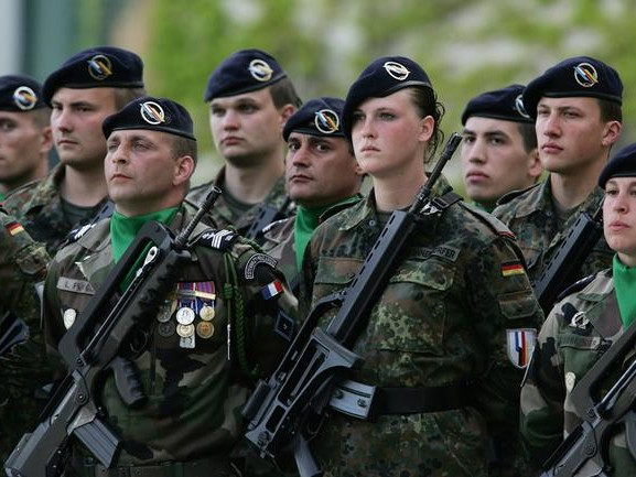 "France & Germany: ""We Are Committed To The Emergence Of A European Army"""