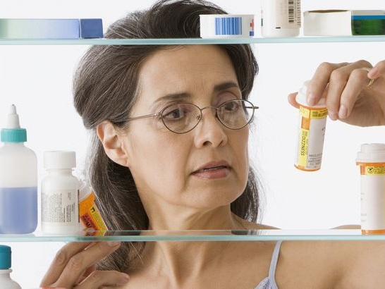 How to Safely Spring Clean Your Medicine Cabinet