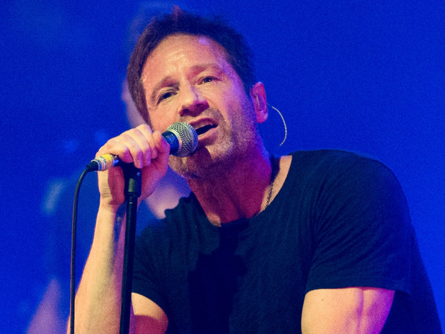 Turns out Agent Mulder is one hell of a crooner