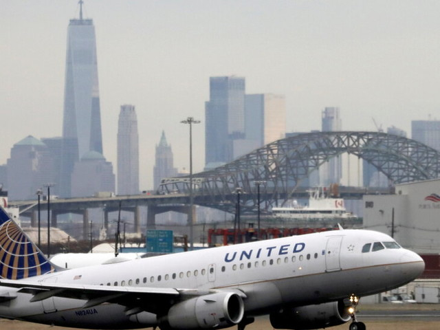 United Airlines Stops All of Its U.S. and Canadian Flights