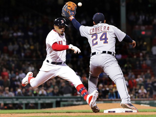 Martinez, Rodriguez lead Red Sox to 11-4 win over Tigers