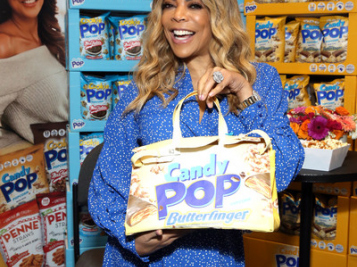 Wendy Williams' Friends Are Worried She's 'Spiraling Out Of Control' On Her Sobriety Journey, Now She's Giving Advice To Women & Controlling Her Career