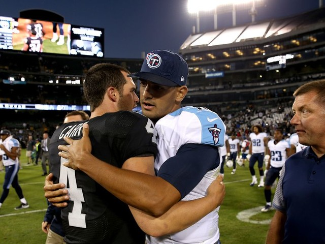 How much of a threat is Marcus Mariota to Derek Carr?