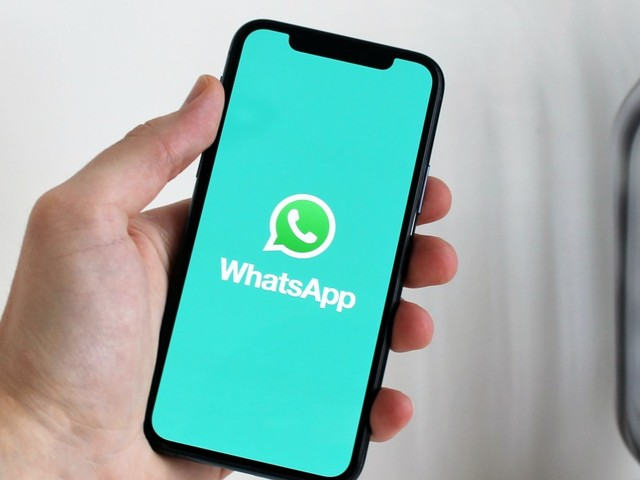 Users can now transfer WhatsApp chats from iPhone to Android, but this requires a cable