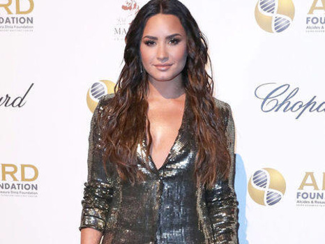 """Demi Lovato Doesn't """"Owe Anybody"""" an Explanation of Her Sexuality"""