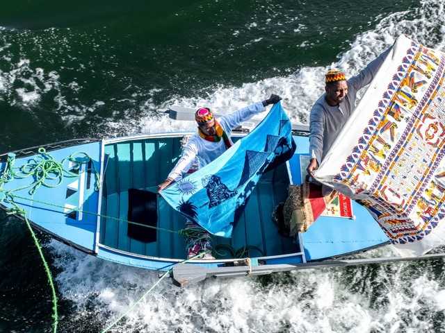 A photo I took on the Nile River shows exactly how much Egypt's struggling economy is affecting everyday people