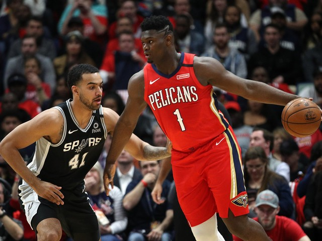 Zion Williamson has big 4th quarter in debut but can't carry Pelicans