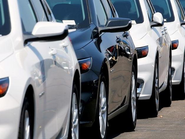 Auto Borrowing Rises as New Mortgage Loans Sag, New York Fed Says