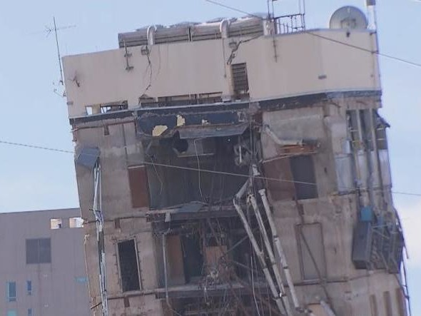 Watch: Failed demolition leaves behind 'Leaning Tower of Dallas'