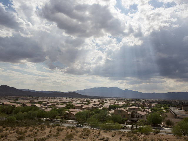 Cloudy, warm conditions in Las Vegas for 3-day weekend