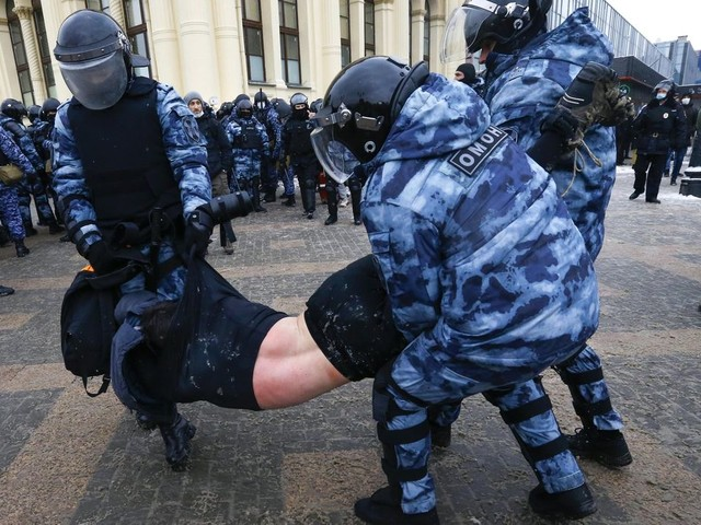 EXPLAINER: How Russia has tried to stem pro-Navalny protests