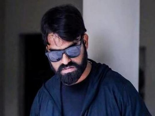 You've got to subscribe to this Telugu digi-screen superstar