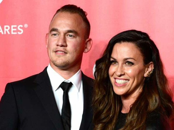 Souleye, Alanis Morissette's Husband: 5 Fast Facts You Need to Know