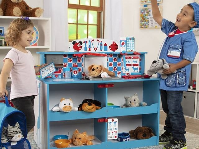 My 5-year-old and I played with Melissa & Doug toys and discovered the hype surrounding the company is well earned