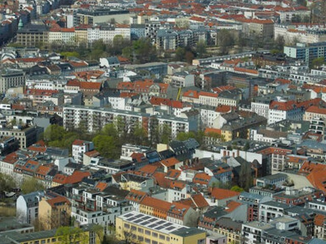 Berlin housing activists lead campaign to fight rising rents