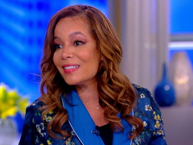 'The View' discuss if Jeff Bezos should release 'intimate' selfies
