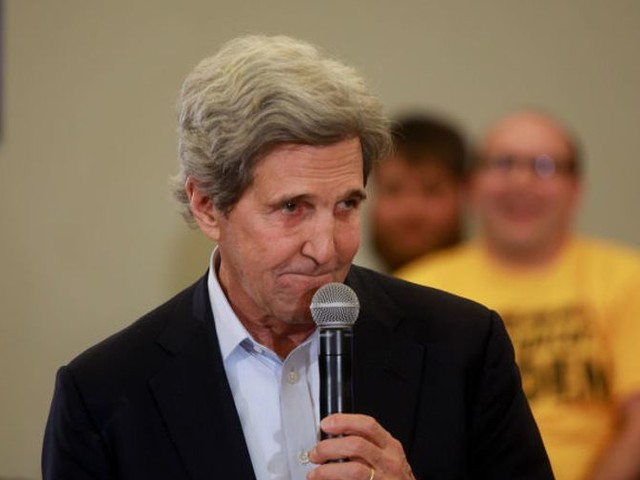 John Kerry, self-proclaimed lifelong gun owner: No one should use an 'AR-16 with a long clip' to hunt