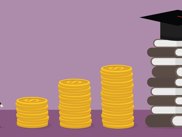 How Do Grants Differ From Loans When You're Paying for College?