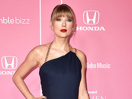 Taylor Swift Shades Scooter Braun During Billboard Woman Of The Decade Speech: He's 'Toxic'