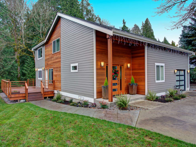 Buying a House With Cash vs Getting a Mortgage: Pros and Cons