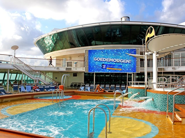 Top things to do on a sea day on a Royal Caribbean cruise