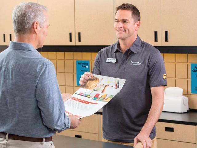 Servicio de Impresión por internet en The UPS Store®, para socios