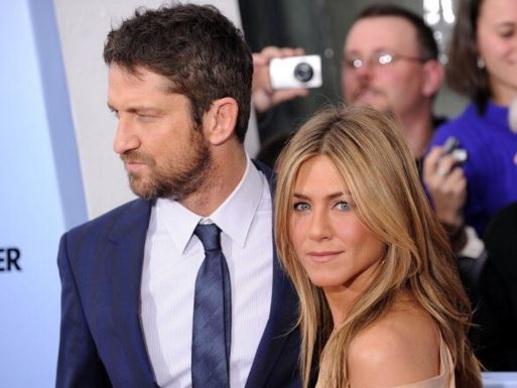 "Jennifer Aniston Did NOT ""Turn To Ex"" Gerard Butler Amid ""Marriage Meltdown"""