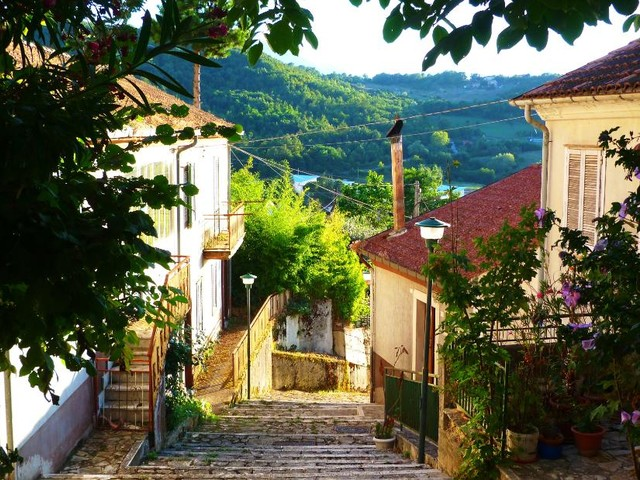 Italian town will pay your rent if you move in
