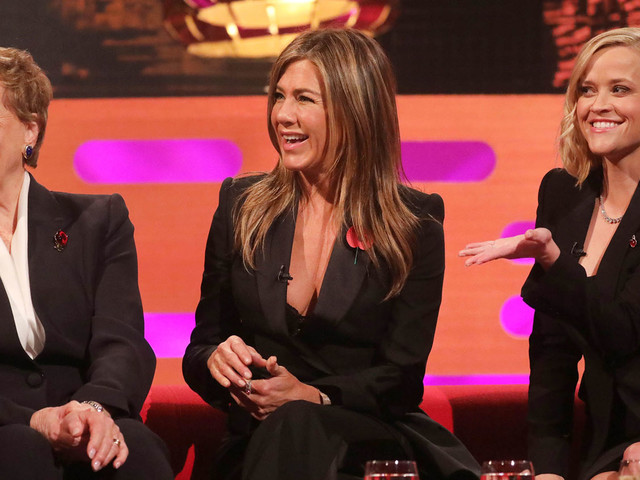 Jennifer Aniston & Reese Witherspoon Compete in 'Friends' Trivia with Julie Andrews!