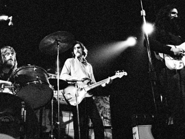 Listen To Jerry Garcia & Merl Saunders Perform 'That's All Right, Mama' In 1973