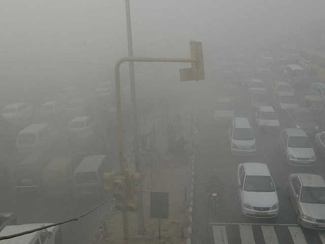 New Delhi Authorities Enforce Driving Restrictions To Reduce Smog
