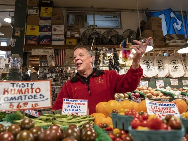 'I can't believe we're pulling it off': Pike Place Market vendors band together to survive COVID-19