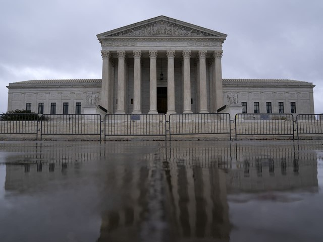 Supreme Court leery of Trump's bid to exclude undocumented immigrants from congressional reapportionment