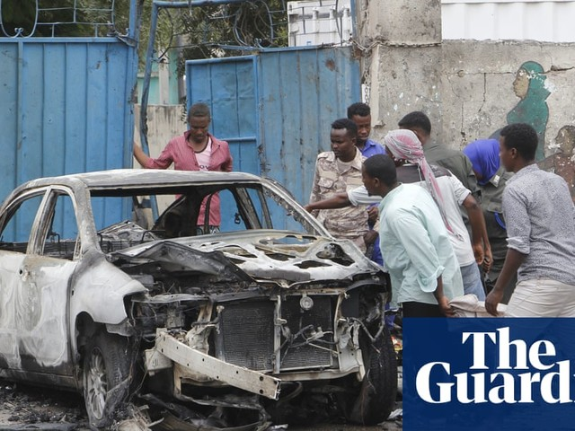 Mogadishu car bomb blast near presidential palace kills eight