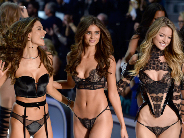 Famed Victoria's Secret Fashion Show in crisis as 4 models are denied Chinese visas