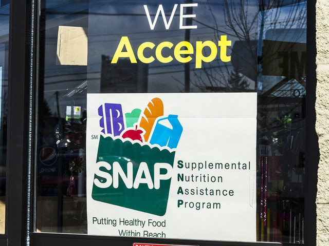 Trump administration tightens food stamp work requirements