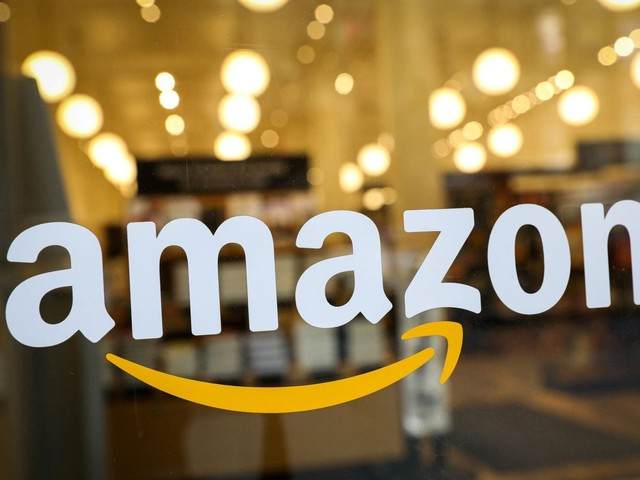 'No Tech for ICE': Protesters demand Amazon cut ties with federal immigration enforcement