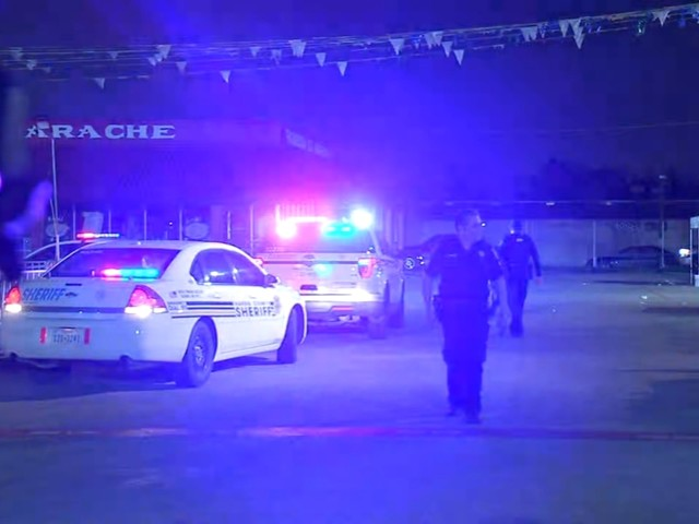 7 injured after gun misfires at north Houston flea market, one man detained