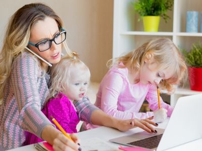 7 Worthwhile Scholarships for Single Moms