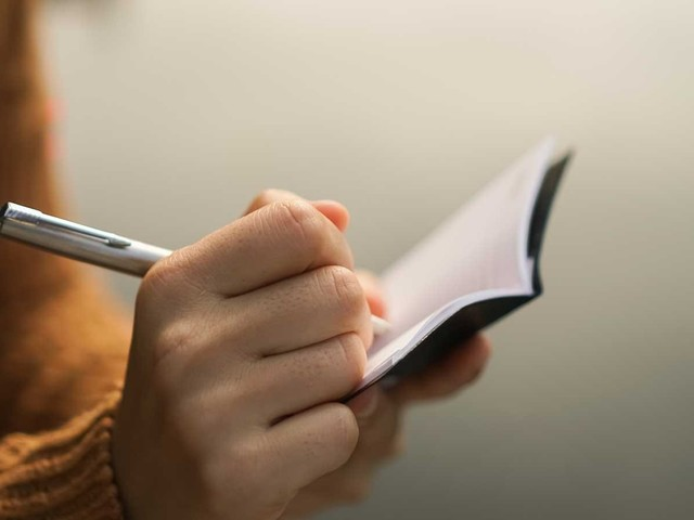 A Pocket Notebook Is the Best Productivity Booster