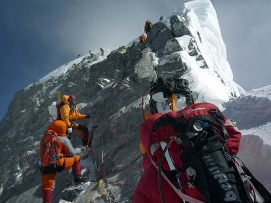 """Traffic Jam"" On Mount Everest As 200 Trekkers Attempt To Reach Summit"