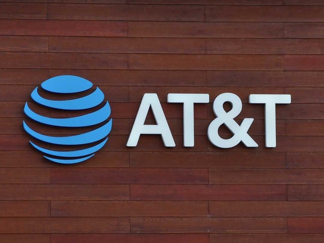 3 Reasons AT&T Stock Is Scorching Hot Ahead of Q3 Earnings Report