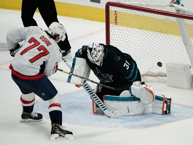 T.J. Oshie scores twice, reaches milestone as Capitals beat Sharks