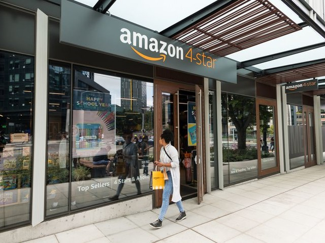 I Shopped at an Amazon 4-Star Store and This Is What Happened