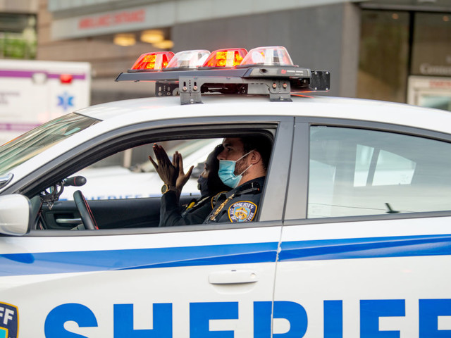 NYC sheriffs enforcing city's traveler quarantine