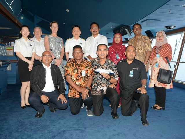 Voyager of the Seas makes maiden call to Indonesian island